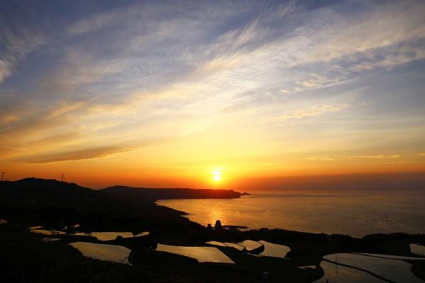 棚田と夕日1